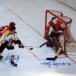 Week of Stars – Phil Esposito Signing a Success