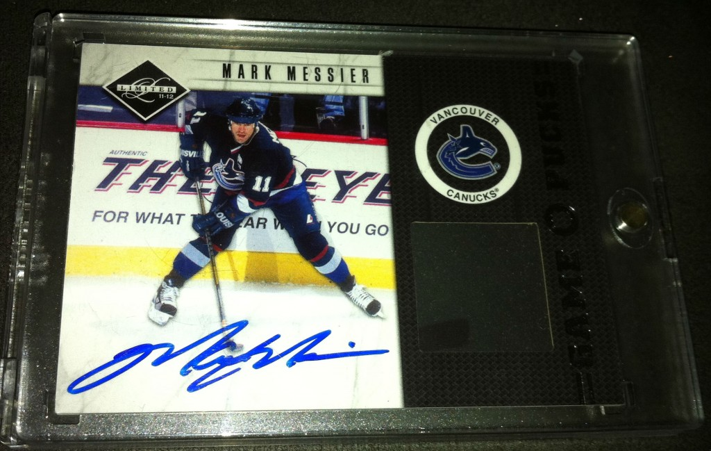 Messier Auto Game Puck